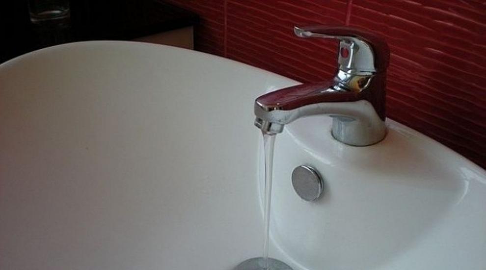 Водата в Лом потече