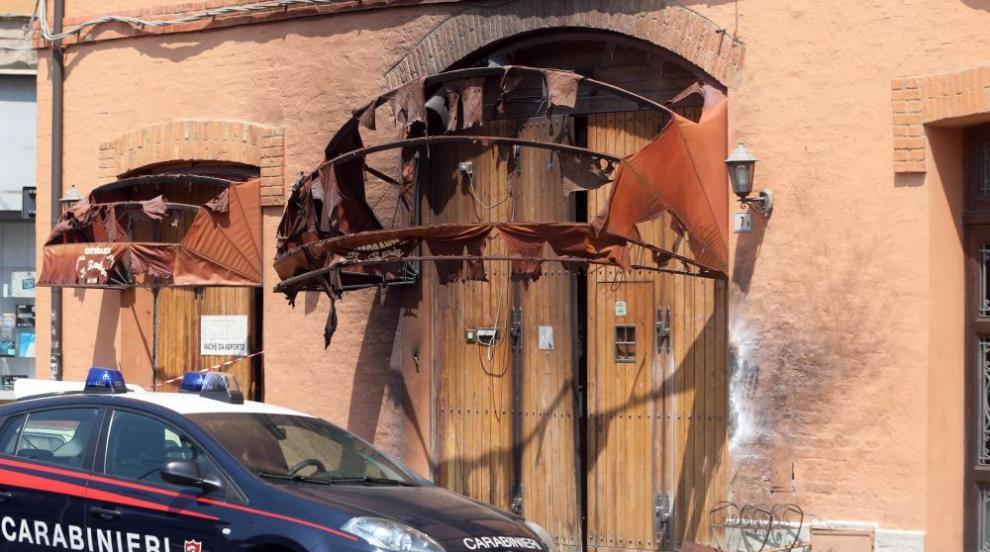 Италианският премиер посети мястото на експлозията на камион в Болоня