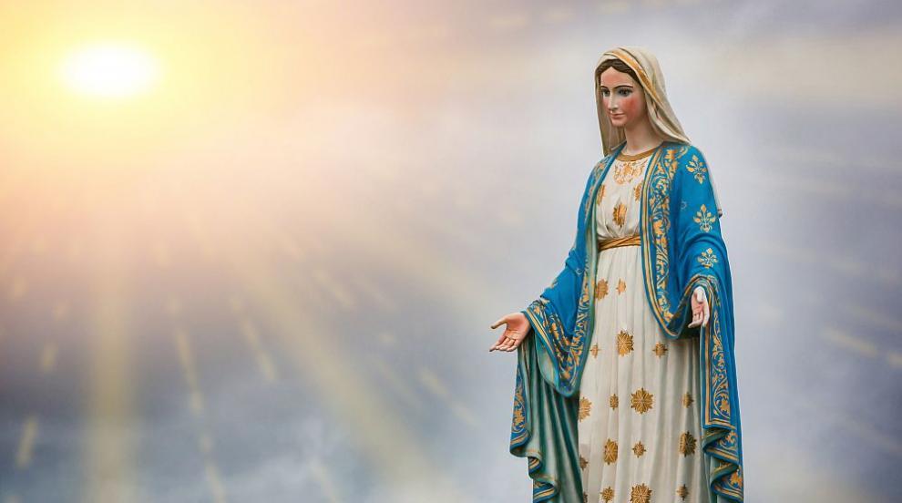 Дева Мария се появи в небето над аржентиски град...