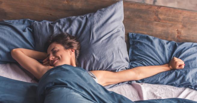 Непрекъснато слушаме и четем, че трябва да спим поне 8