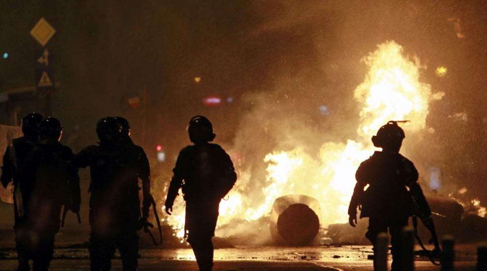 В румънските протести са ранени над 400 души (СНИМКИ)