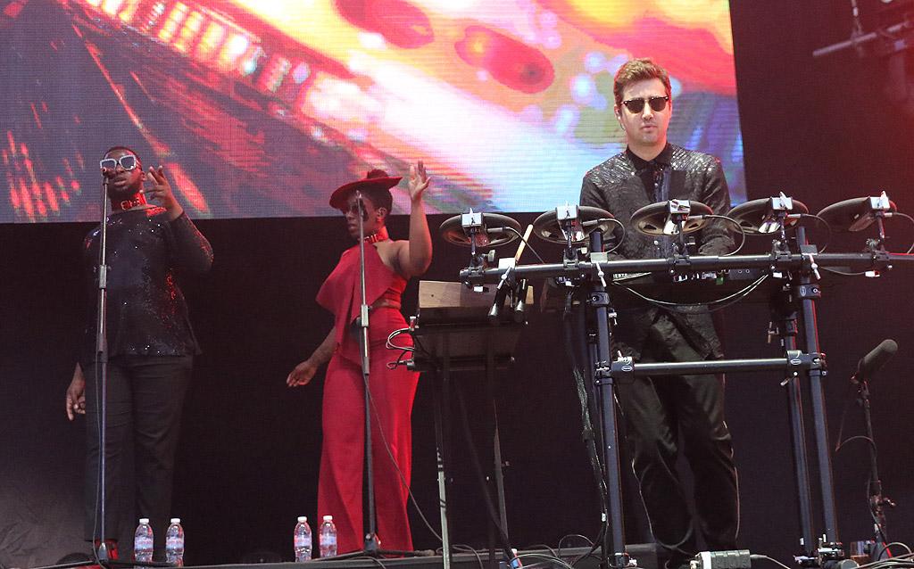 YEARS & YEARS на сцената на MTV Varna Beach