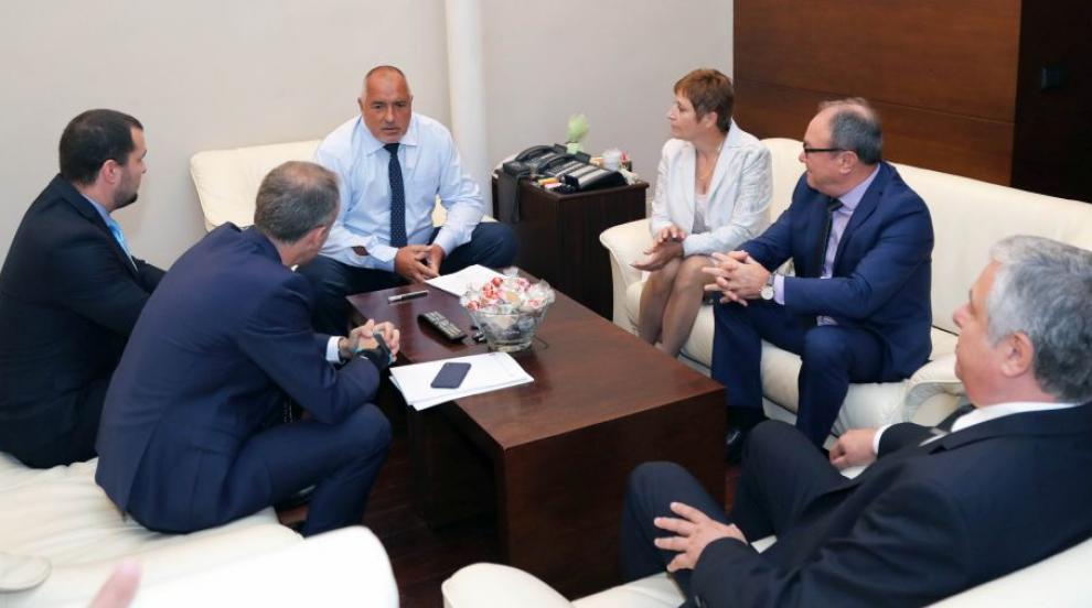 Премиерът Борисов и Красимир Вълчев търсят решение за синоптиците в НИМХ