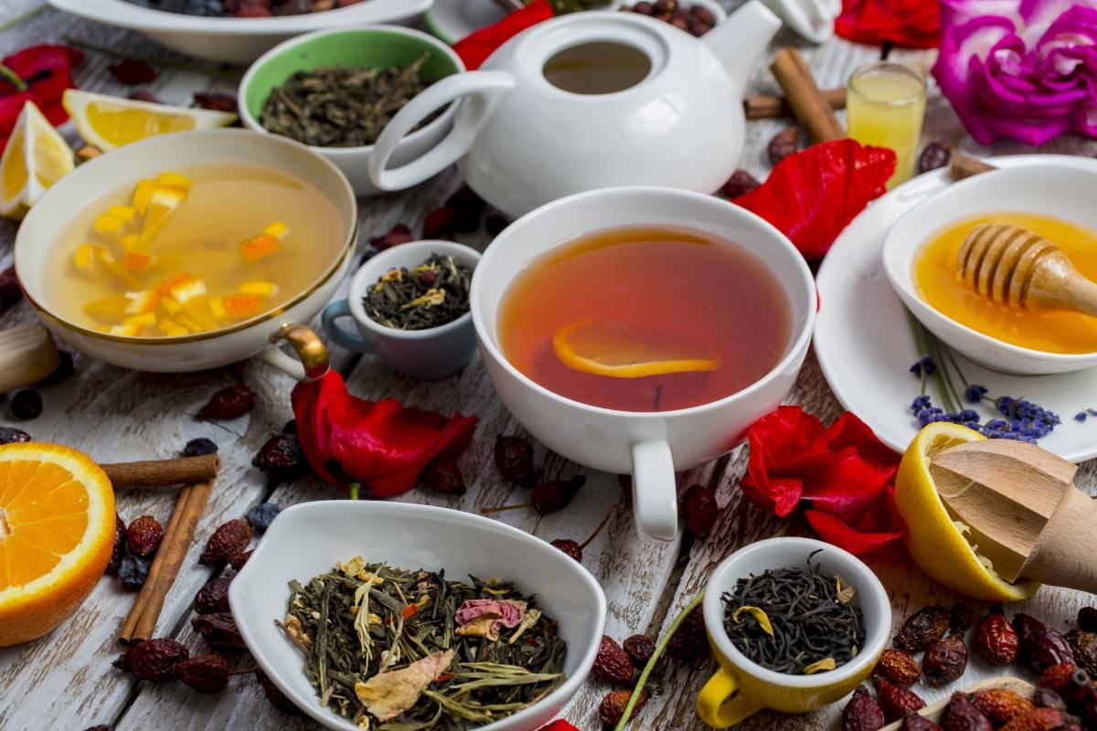 Друго нещо, което никога не трябва да се консумира по време на жега: диетични и разхлабващи чайове. Това наистина може да ви дехидратира сериозно и да ви докара до много сериозно състояние.