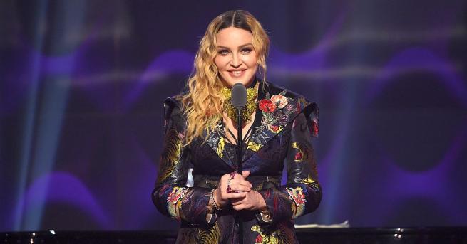Мадона качи в Инстаграм клип за новото си сътрудничество с