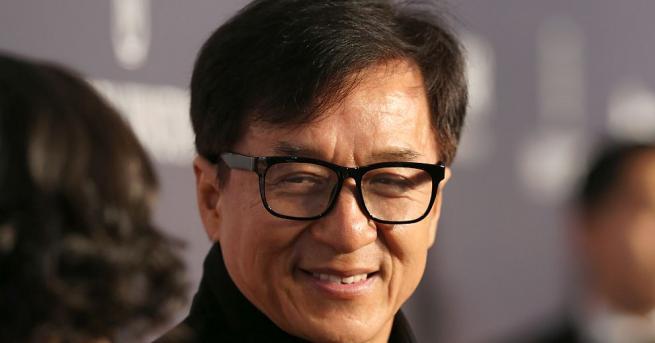 Китайският актьор Джаки Чан обеща милион юана (близо 200 хил.