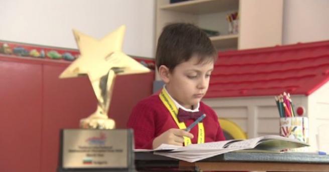 Мартин Матов е българската математическа звезда за 2018 г. Момчето