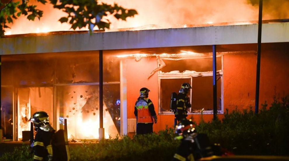 Седем тежко пострадали, от които пет деца, при пожар край Париж (ВИДЕО)
