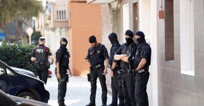 Полицията в Каталуния разглежда като терористичен акт опита за нападение