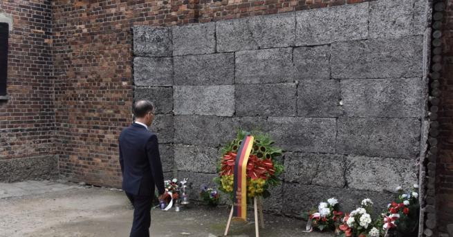 Германският външен министър Хайко Маас посети бившия нацистки лагер на