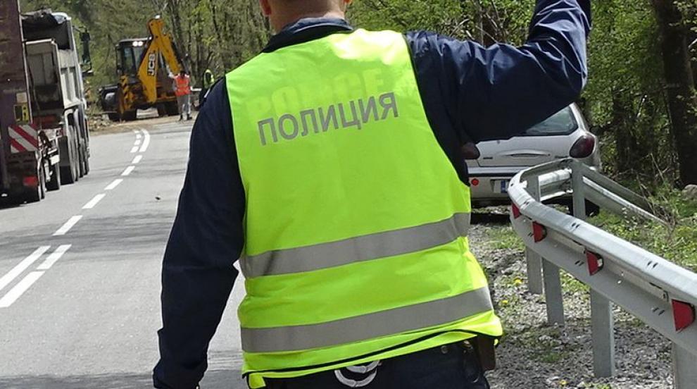 И в село Ваклиново си имат чучело пътен полицай, гласят втори