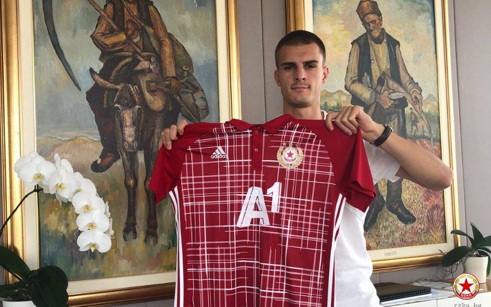 Един от капитаните на ЦСКА Божидар Чорбаджийски вече на практика