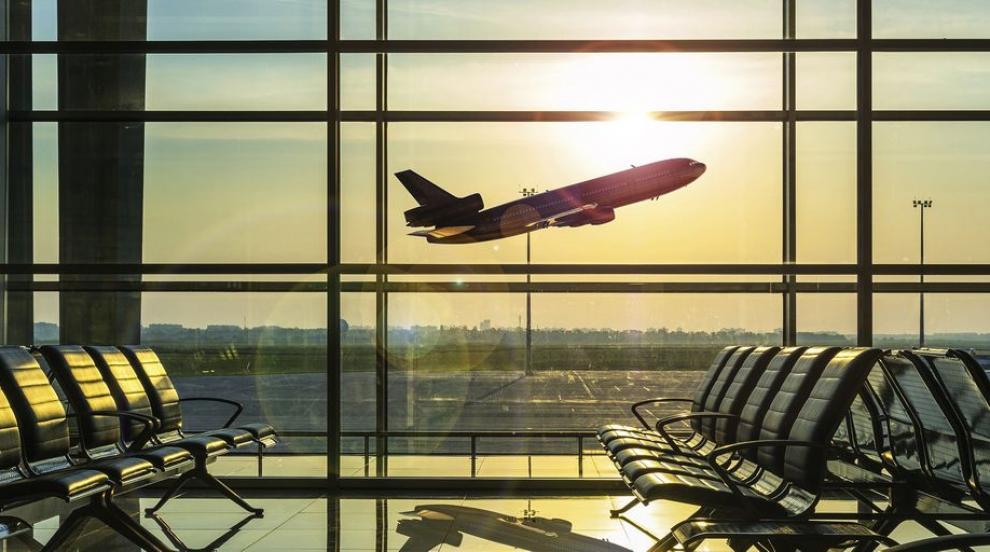 Какви са правата ни при отмяна или закъснение на полети?