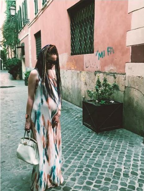 Моделът Глория Николова съвсем скоро ще роди първото си дете. Звездата от Vip Brother обяви новината преди месеци в Инстаграм. Преди дни Глория показа и кадри от сватбата ѝ сМетоди Велинов.