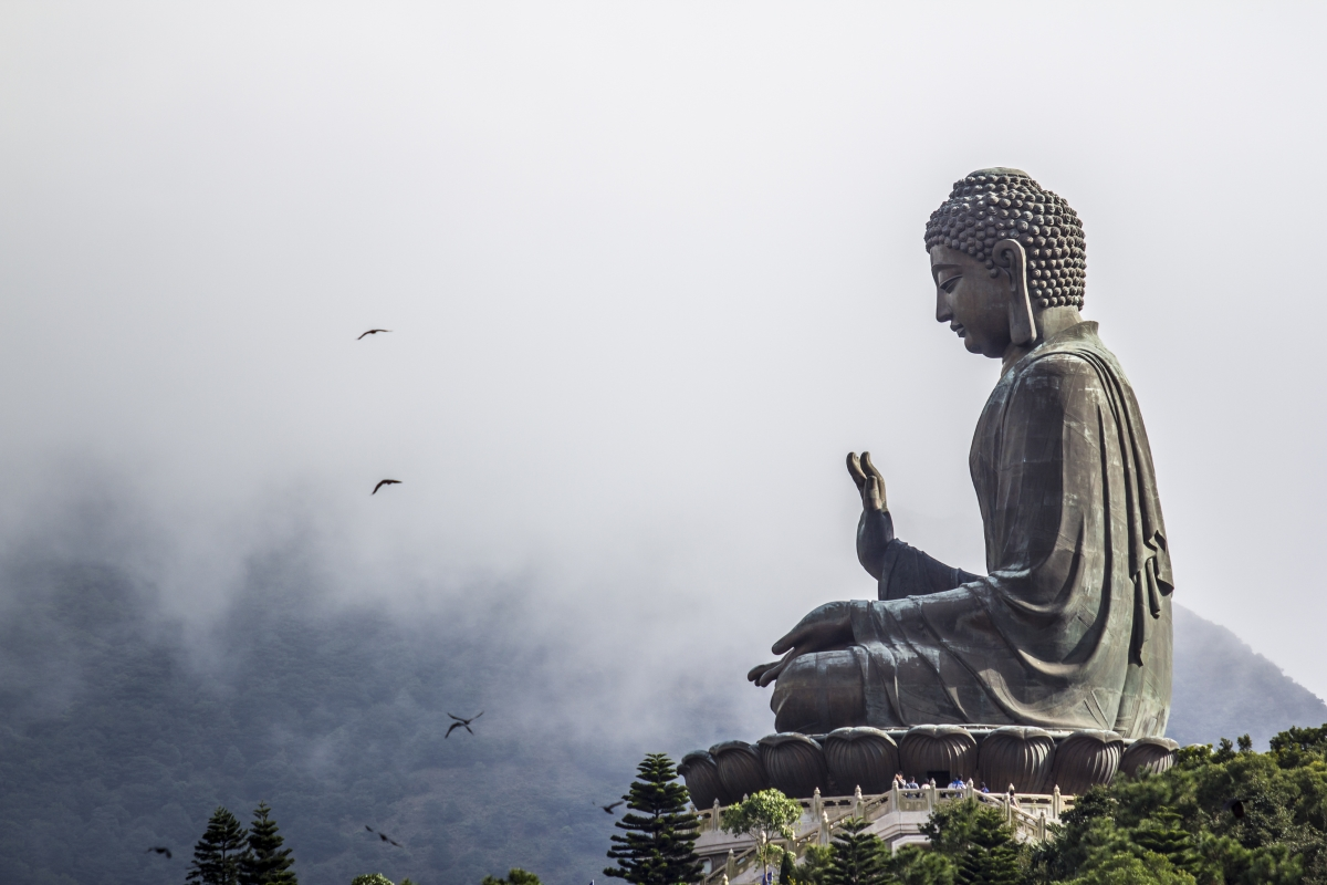 Осем от десетте най-високи статуи в света са на Буда.