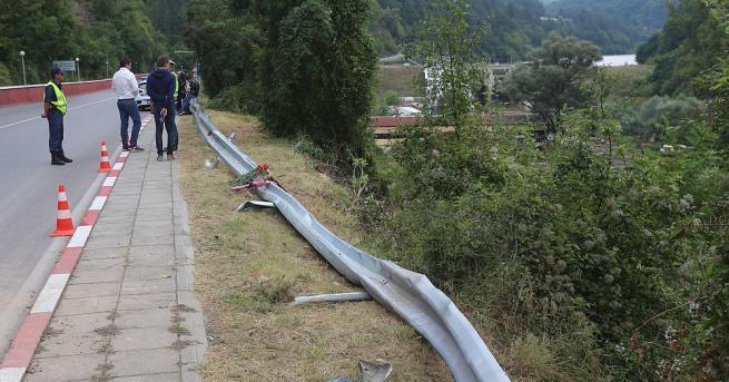 Състоянието на пътя и асфалта на мястото на катастрофата в