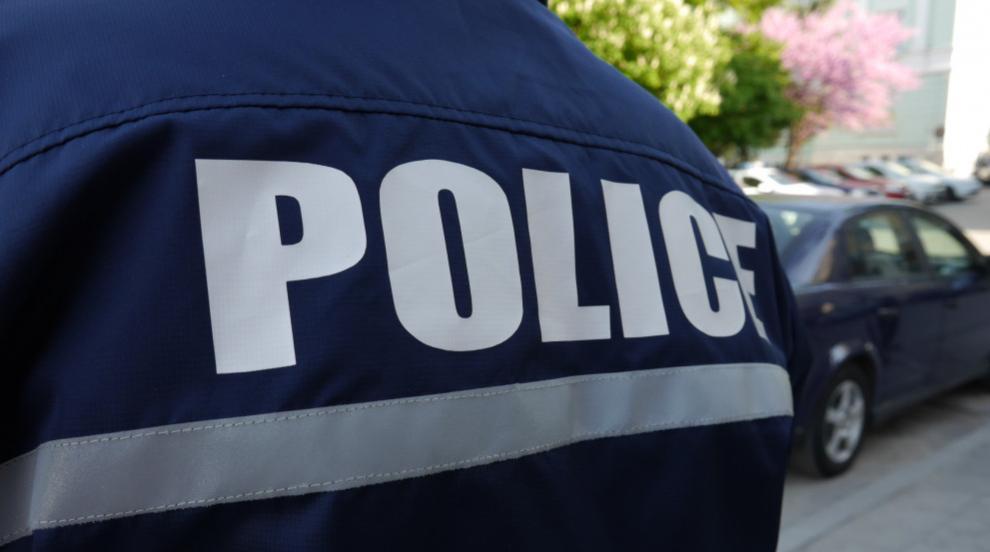 Пиян удари и рита полицай в Хасково