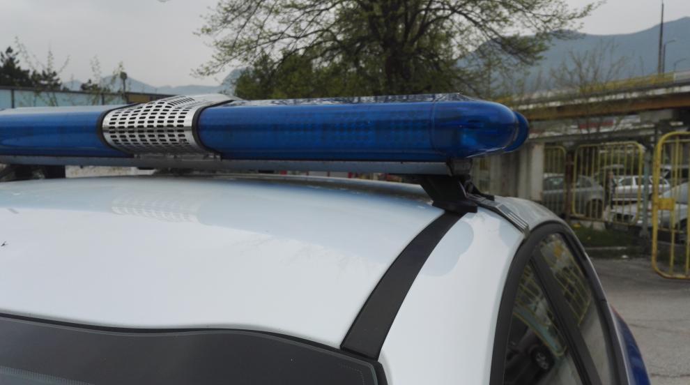 Претърсват жилища и бази след ареста на горските в Своге