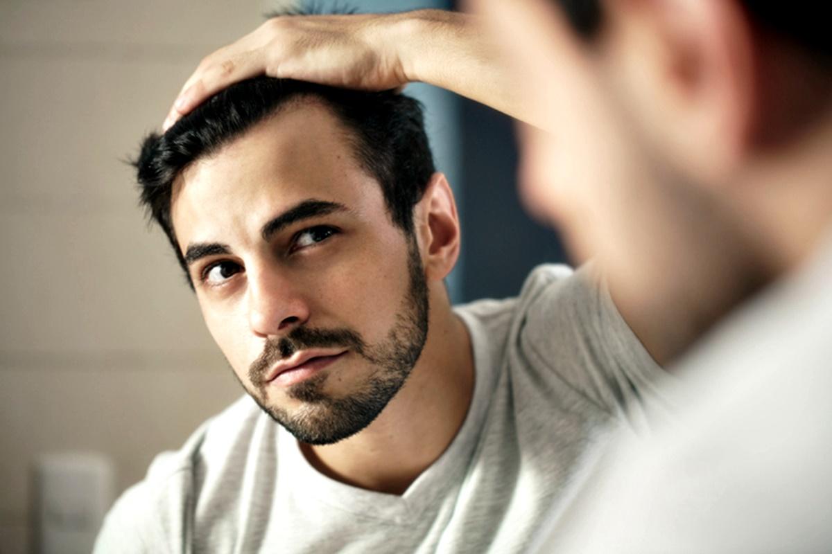 Наболата брада<br /> В проучване от 2013 г. 177 хетеросексуални мъже и 351 хетеросексуални жени оценяват 10 снимки на мъже, които са гладко обръснати, с леко набола брада, набола брада и пораснала брада.<br /> Оказва се, че жените харесват най-много мъжете с набола брада.<br /> Брадата не само се свързва със зрялост и мъжественост, но и с доминантност и агресия. Затова жените харесват мъже с набола брада.<br />