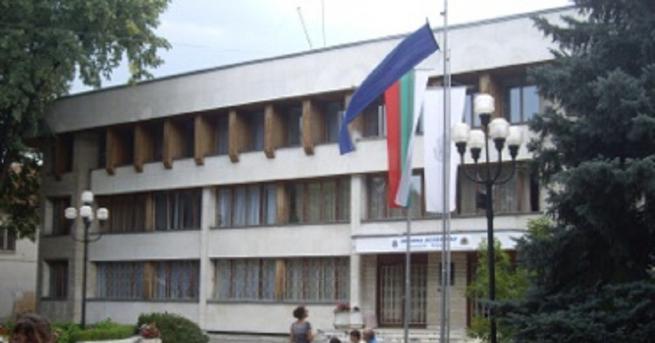 Призив към хората във Велинград да протестират, но мирно и