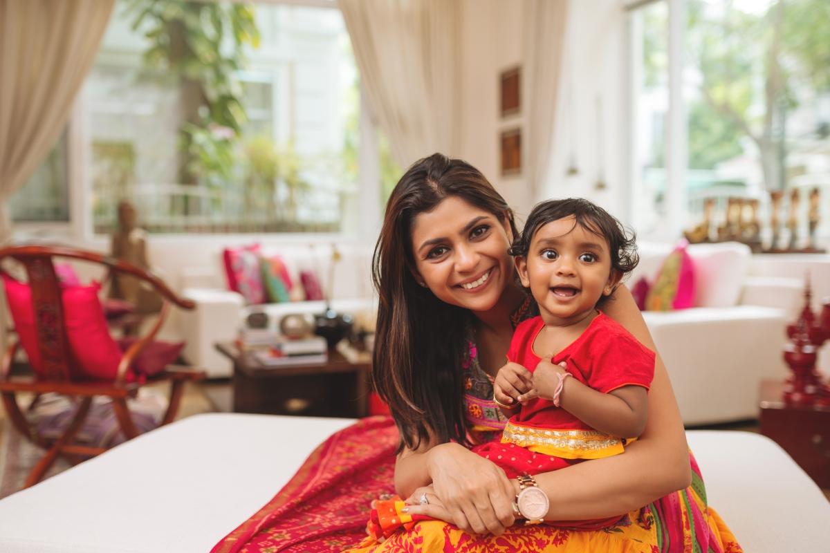 Индия: 26 седмици. Жените могат да напуснат работа до 8 седмици преди термина. Интересното в Индия, свързано с майчинството е, че за всяко следващо дете, платеното майчинство намалява.