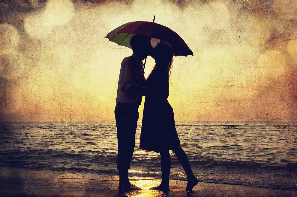 <strong>Телец</strong><br> <br> За Телците любовта етест за проверка на чувствата. Те имат нужда от време, за да потвърдят пред себе си увлечението по някого. Предпазливи са, но са способни на компромиси в името на връзката.
