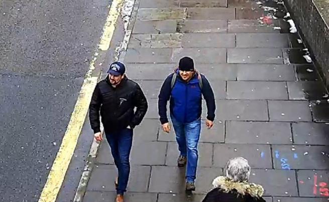 Издирваните руснаци Александър Петров Руслан Боширов в Солсбъри през март