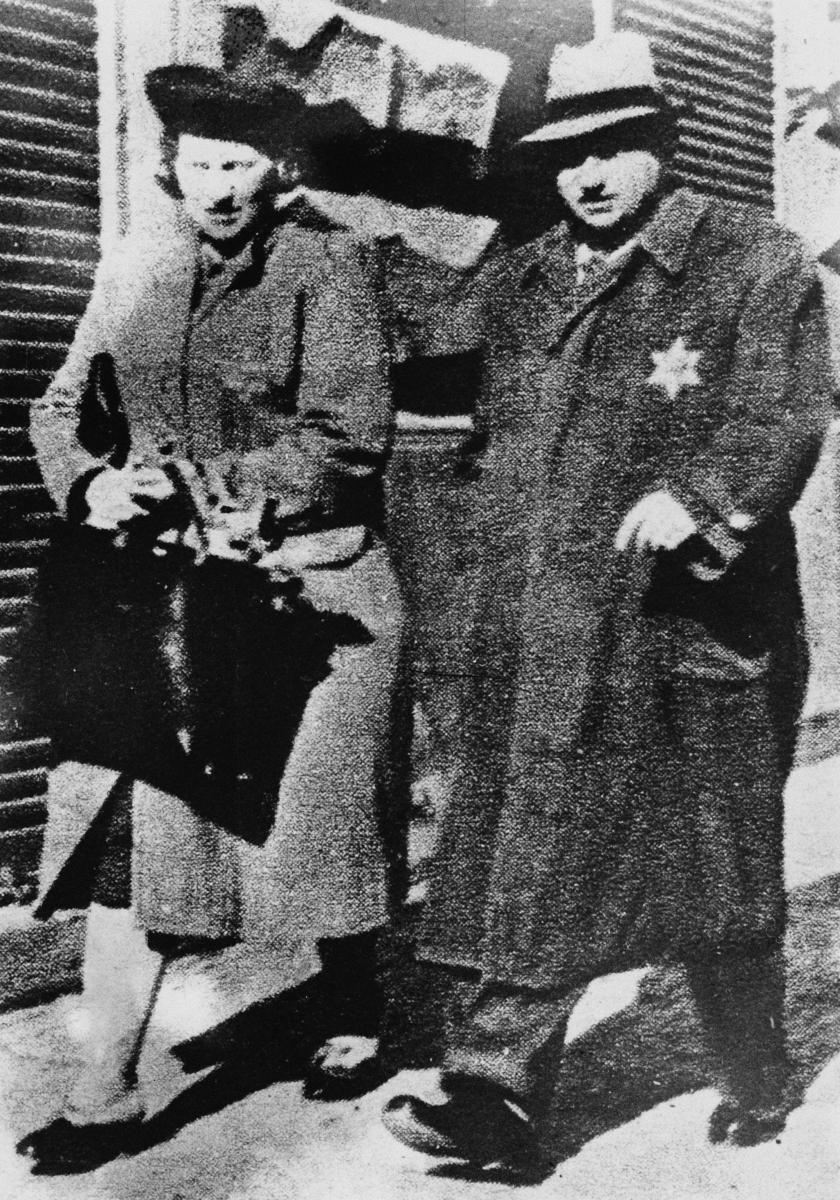 На 6 септември 1941 година евреите са задължени от нацистите да носят Давидова звезда.