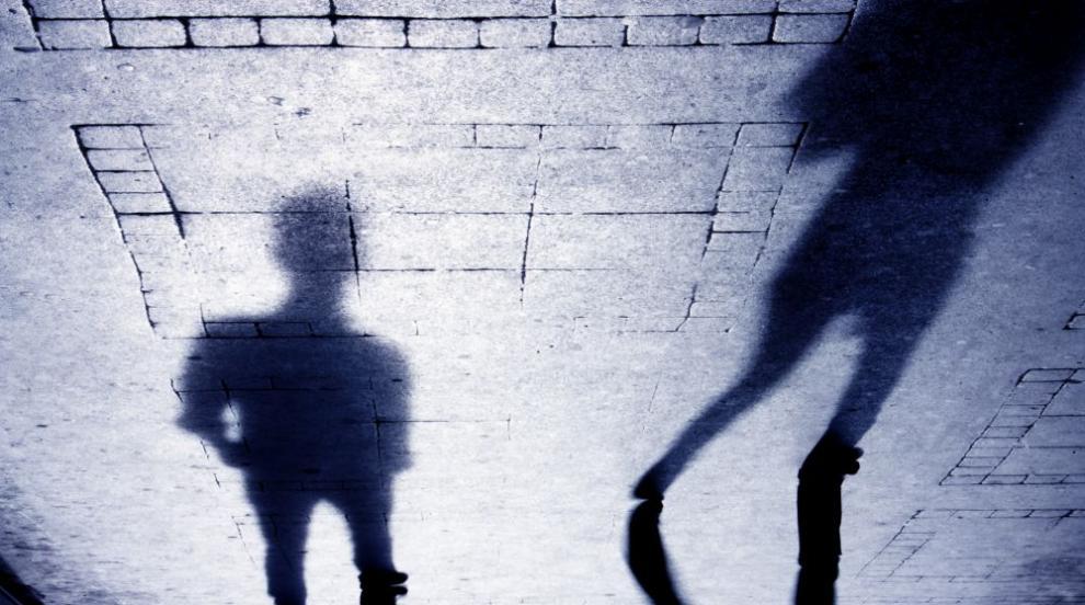 Софиянец отвлякъл и малтретирал три проститутки