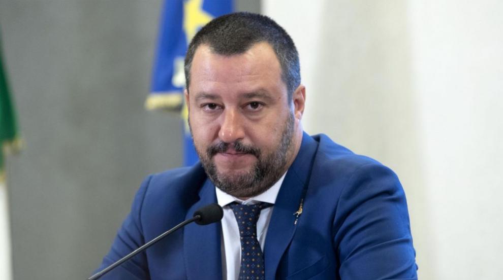"""Разследват Матео Салвини заради кризата с кораба """"Оупън армс"""""""