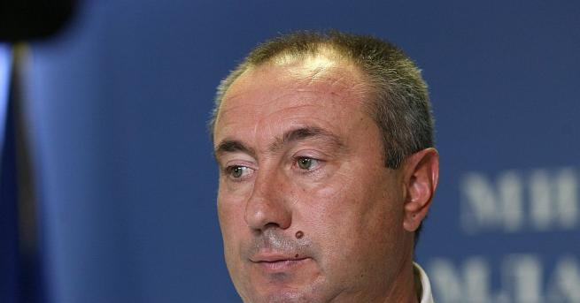 Селекционерът на националния отбор по футбол на Казахстан Станимир Стоилов