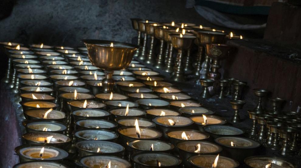 Пет от най-странните погребални ритуали по света (ВИДЕО)