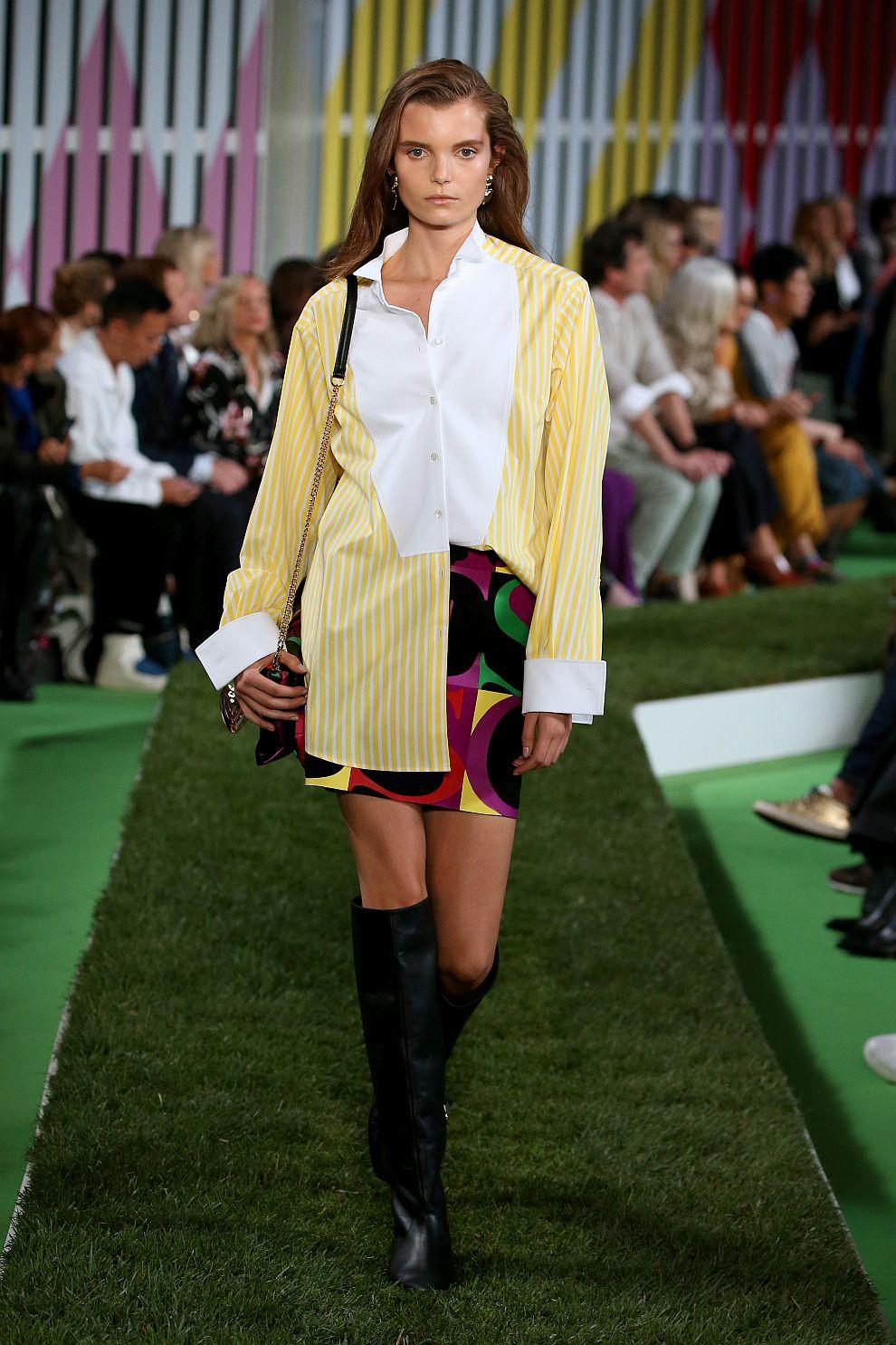 """Модел от колекцията на """"Ескада"""" на Седмицата на модата в Ню Йорк"""
