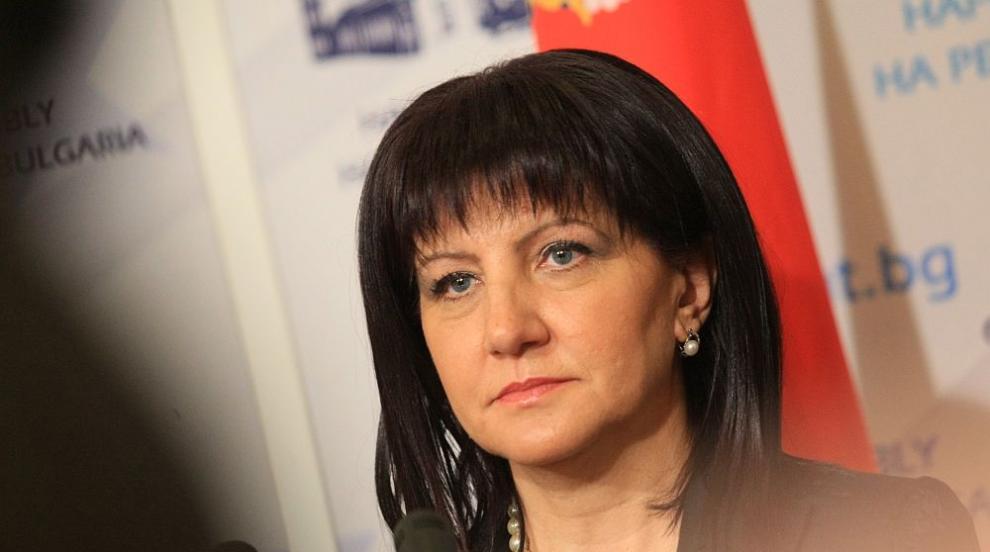 Караянчева: Няма проблем в комуникацията между институциите