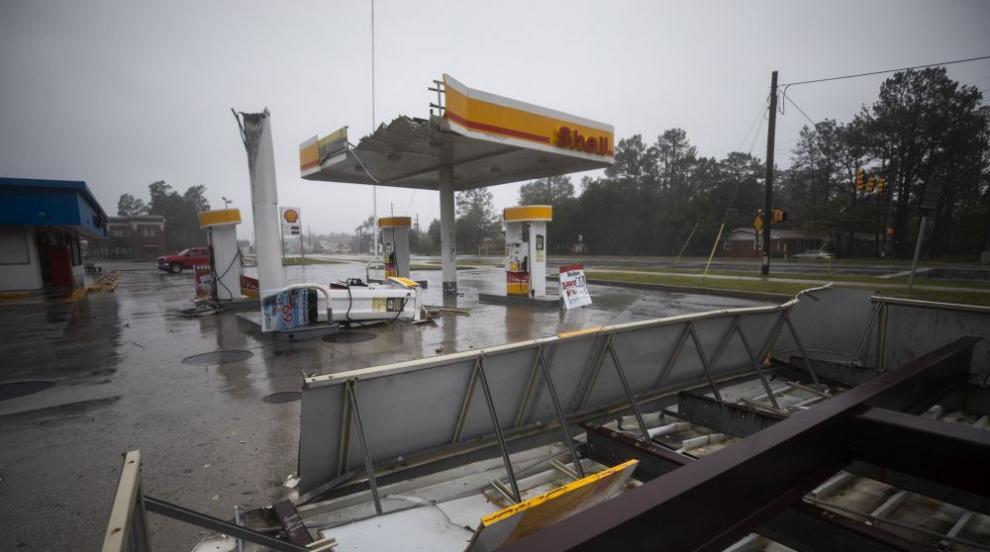 Ураганът Флорънс бушува в Северна Каролина, взе първи жертви