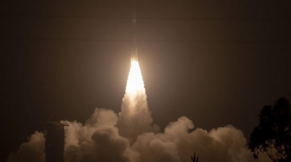 НАСА изпрати лазер в космоса, който ще измерва топенето на ледовете на...
