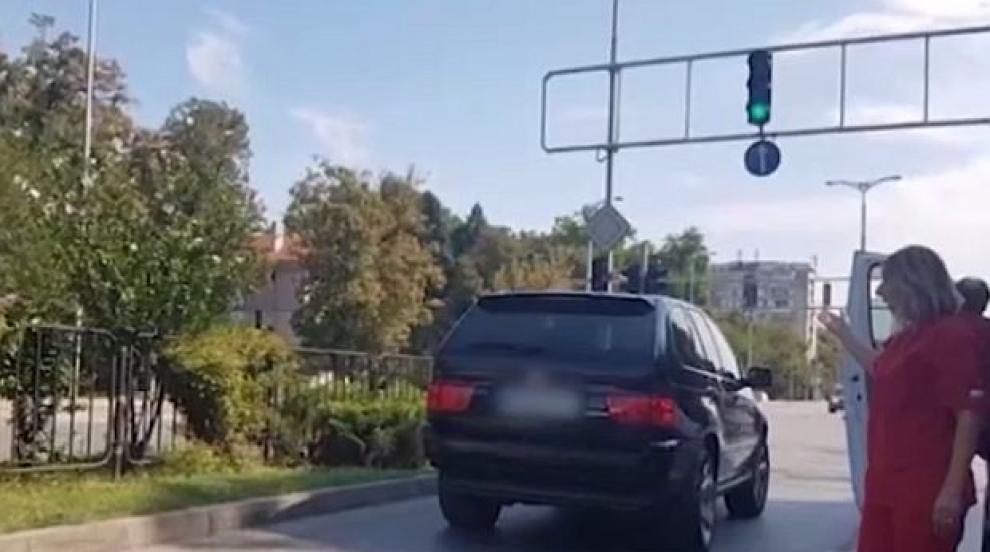 Шофьор отрича да е удрял жена на светофар в Пловдив