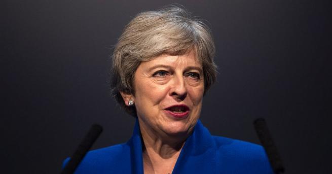 Британският премиер Тереза Мей призна, че се дразни от дебатите