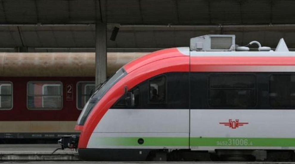 Бързият влак Варна - София се запали
