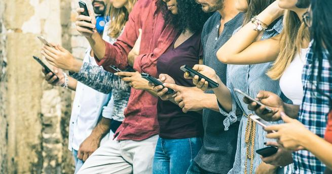 По света има много вманиачени по iPhone хора, които биха