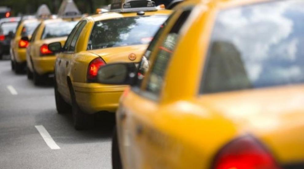 Семейство забрави новороденото си бебе в такси