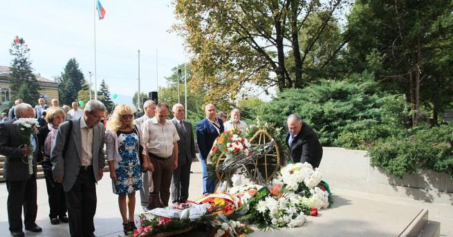 световен дне на мира С тържествена церемония пред паметника на