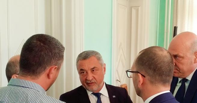 Супер, супер новина Вицепремиерът Валери Симеонов е доволен - туристическият