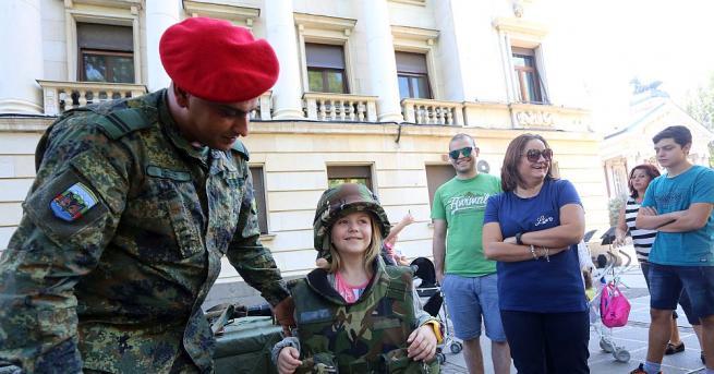 Бойна техника и въоръжение представи Българската армия по случай 110–ата