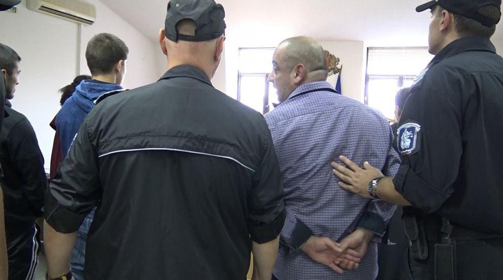 Двама от задържаните за грабежа в Роженския манастир остават в ареста...