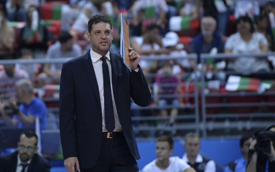 Волейболният национален отбор на Иран смята да заложи на български