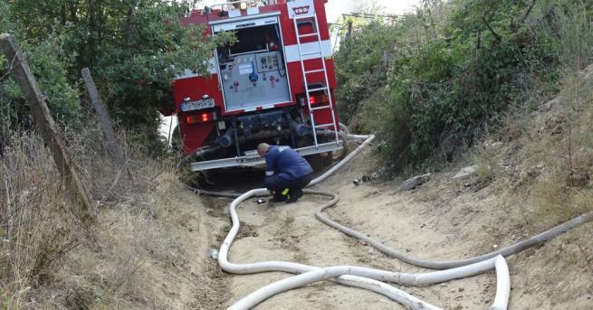 Пожар бушува в района на ТЕЦ - Сливен, съобщава