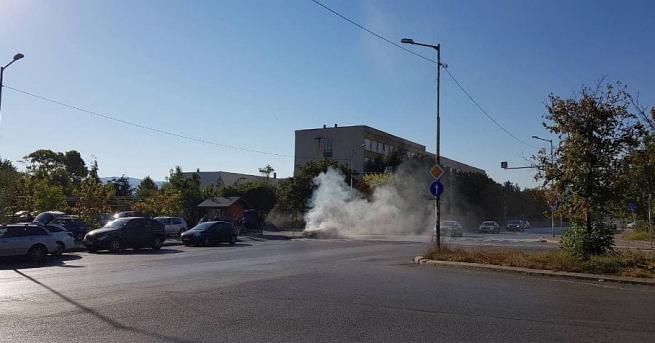 """Кола се самозапали в столичния квартал """"Младост"""" 4. Няма пострадали"""