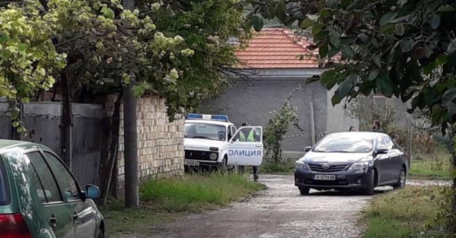 Откриха четири трупа в къща в Каспичан. На място са