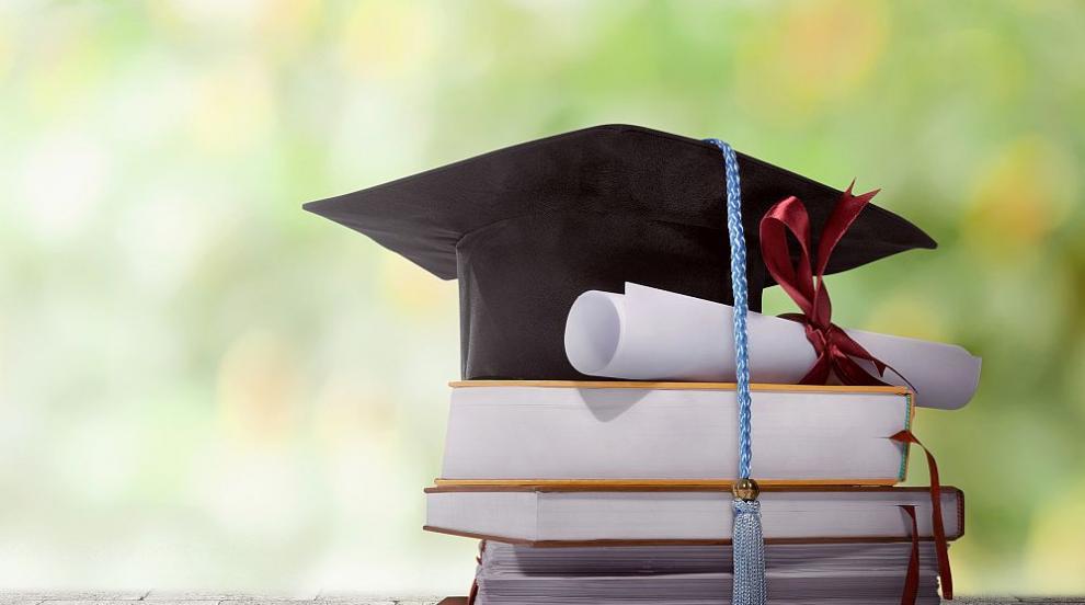 Учени търсят отговор: Как образованието влияе върху интелигентността?